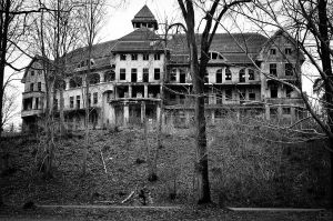 1280px-The_Haunted_House_Das_Geisterhaus_(5360049608)